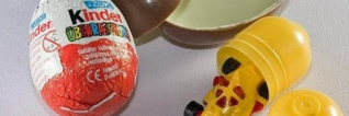 Ces substances que nous cache ... Kinder Surprise